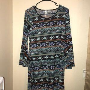 Flare sleeve tribal print dress